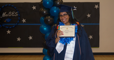 School Holds Early Graduation for Junior in Respect for Cancer Diagnosed Mother